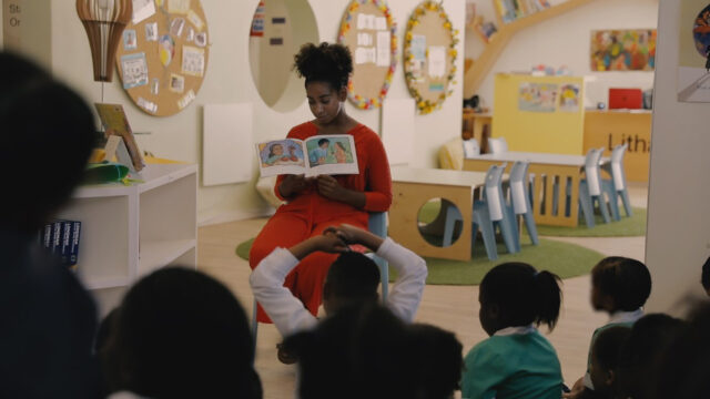 Adelia Davis, 2017 Wallenberg Fellow, started Story Shifters after she returned from her self-directed service project in Cape Town, South Africa.
